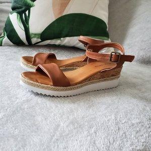 Zigi Soho Imogene Sandals Sz 8
